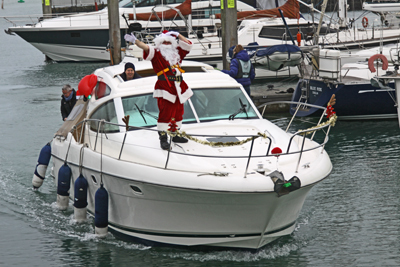 Santa arrives to the marina
