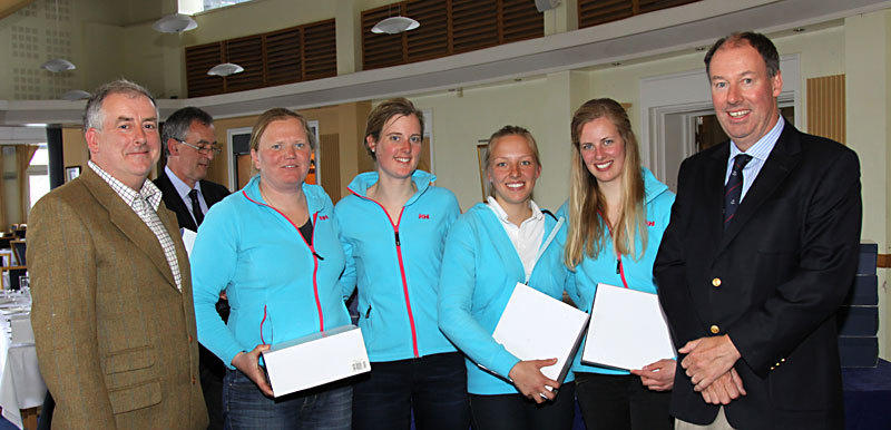 Klaatje Zuiberbaan and the Netherlands team are presented with their 2nd place prizes