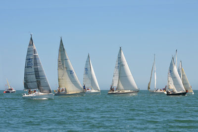 Light Winds and Sun for the Gibney Classic